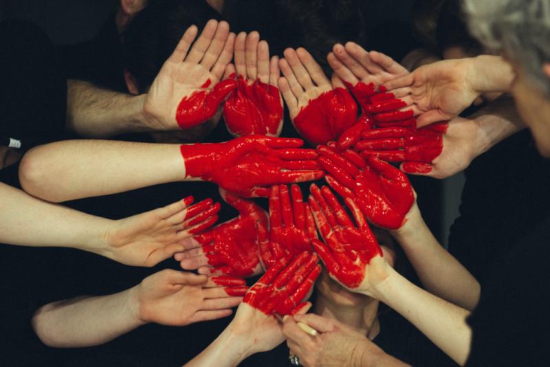 Tim-marshall-heart hands
